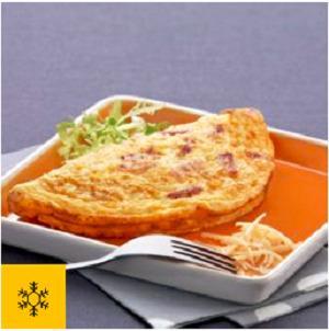 Half-moon ingredient omelette -
