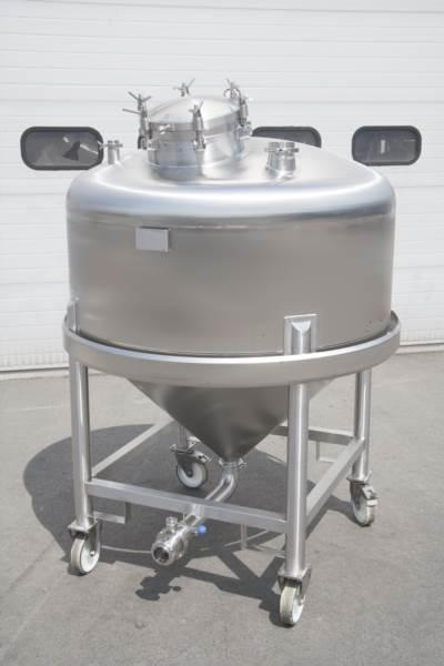 Tanks for pharmaceutical, chemical and cosmetic industry - large variety of stainless steel tanks and pressure reactors