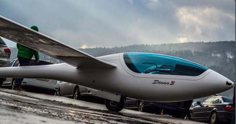 Planeur de classe 18 m Diana-3 - Ce nouveau monoplace est en cours de certification.