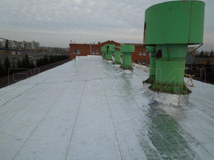 Hidroizolacijski gradbeni materiali - Samolepilna površinsko prevlečena aluminijasta folija
