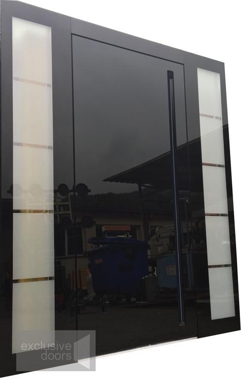 Drzwi ze szklanym frontem - Drzwi pokryte od zewnętrznej strony szkłem