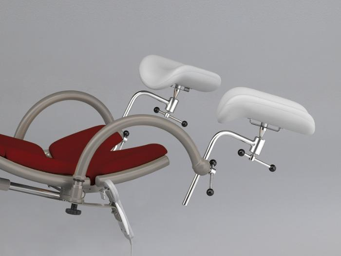 arco - Examination chair for proctology - Electromotive foldable seat section for an ideal patient position