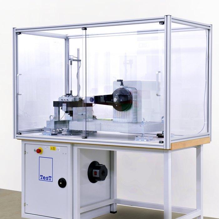 Screw Testing Machine 208 - Vibration testing machine