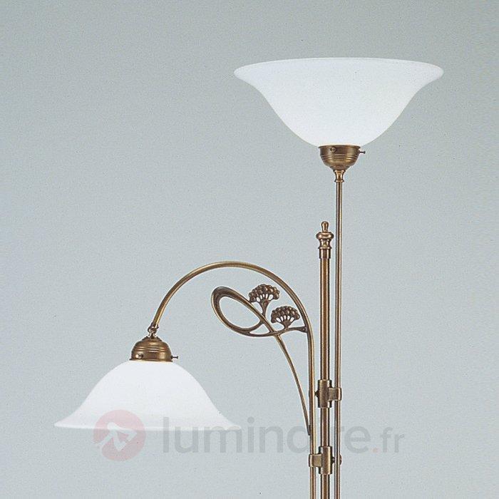 Lampadaire en laiton ALWINE avec deux lampes - Lampadaires à éclairage indirect