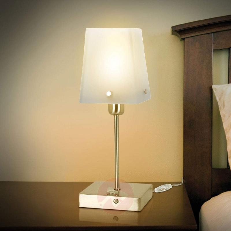 Angular table lamp Hozon, satin-finished lampshade - Bedside Lamps