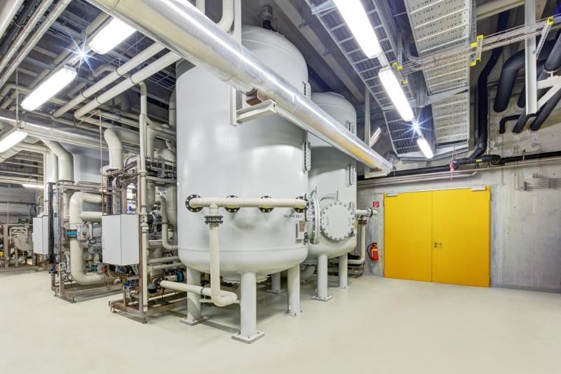 Complete desalination with ion exchangers - surface-water