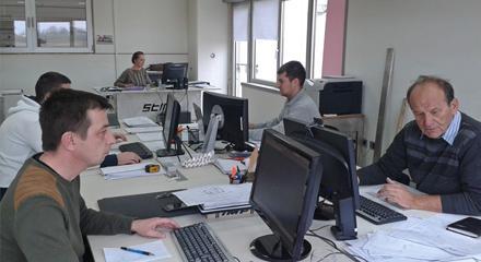 Qualifiziertes Engineering-Team - null