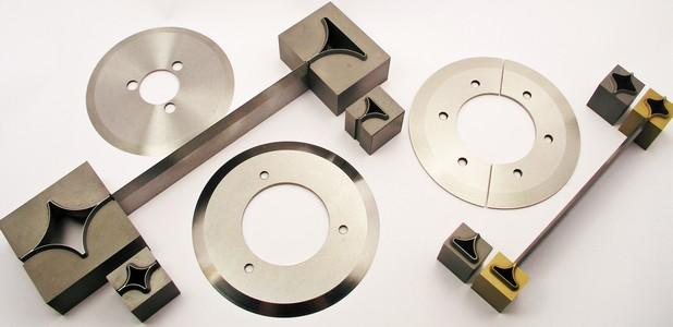 Knives and punches for thermoforming