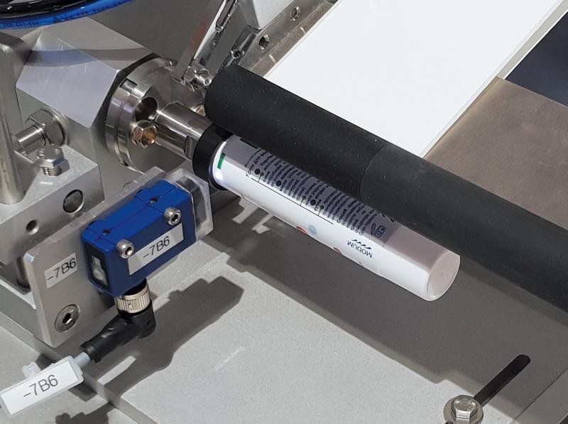 semi-automoatic tube labelling TNC-T - semi-automatic tube labelling and cap labelling - TNC-T