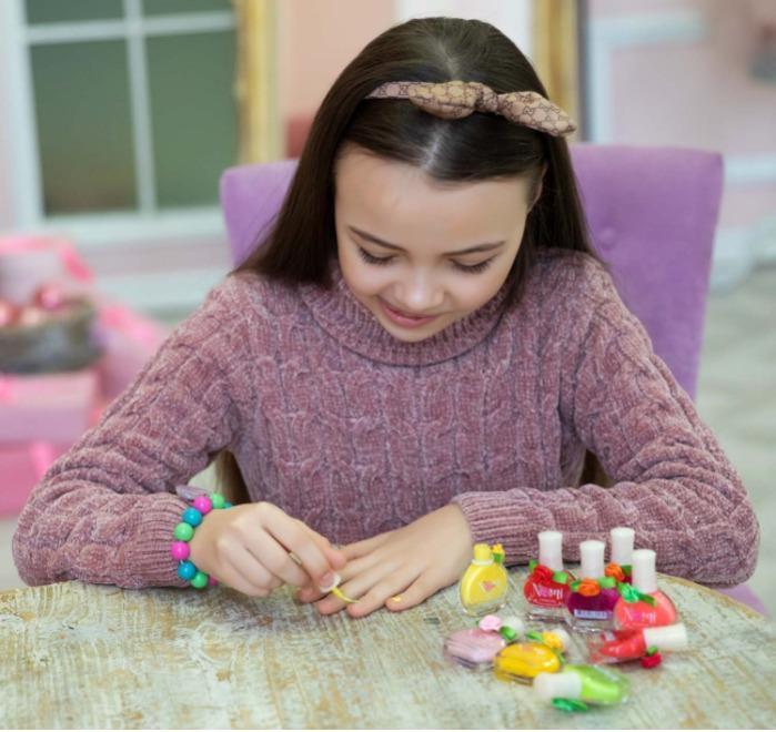 Nomi cosmetics for young girl's nail polish - Waterproof nail polish for girls above 5 y.o.