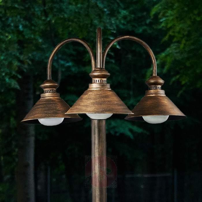 3-bulb post light Millane - Pole Lights