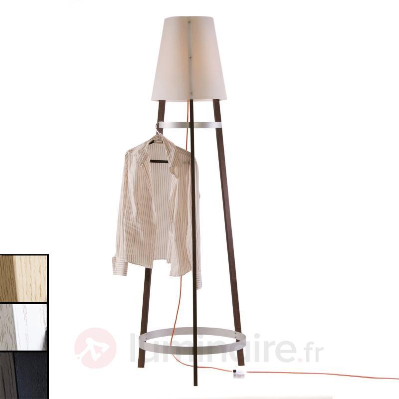 Lampadaire Wai Ting câble rouge - Lampadaires en bois