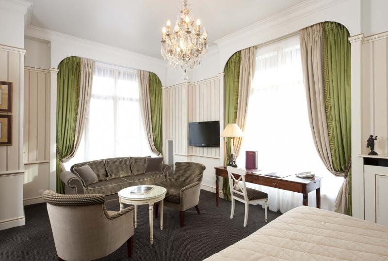 """Junior suite """"avenue"""" - Paris aux premières loges"""