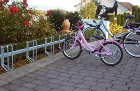 Fahrradständer - Fahrradständer, Reihenparker, Einzelparker, Fahrradanlehnbügel, Flachstahlbügel