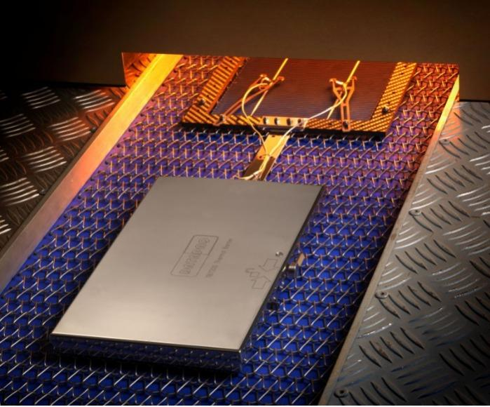 DATAPAQ SolarPaq Temp.-profilmessung(Photovoltaik) - DATAPAQ SolarPaq zeichnet Temperaturprofile von Solarzellen auf.