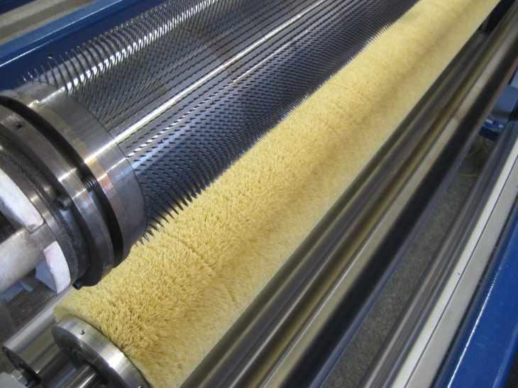 Spiked rollers for hot perforation - ...for hot perforation machinery