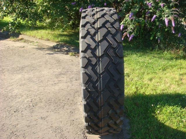 Truck tyres - REF. 1400R24.TRI.TB536