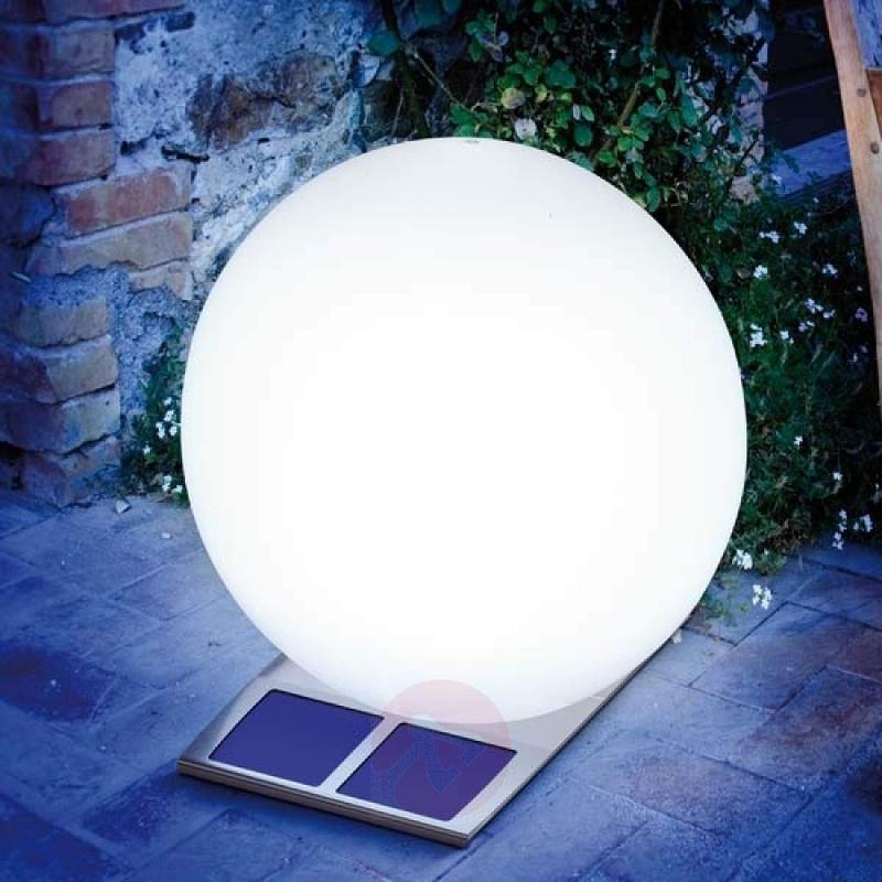 Super Trendy solar light ball white - outdoor-led-lights