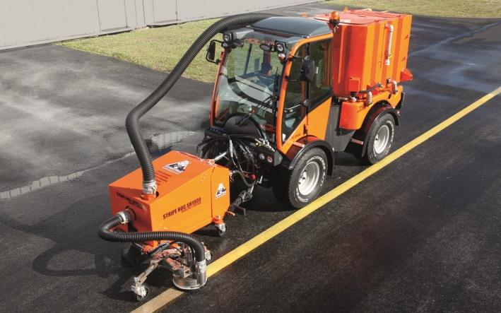 Customized designs - Holder Stripe Hog® - the world's smallest high pressure cleaning system