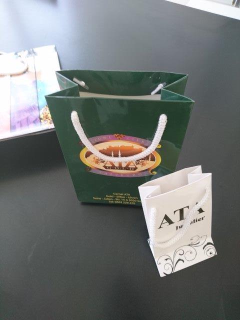 Paper bag cardboard bag - Luxury cardboardbag's with rope handle