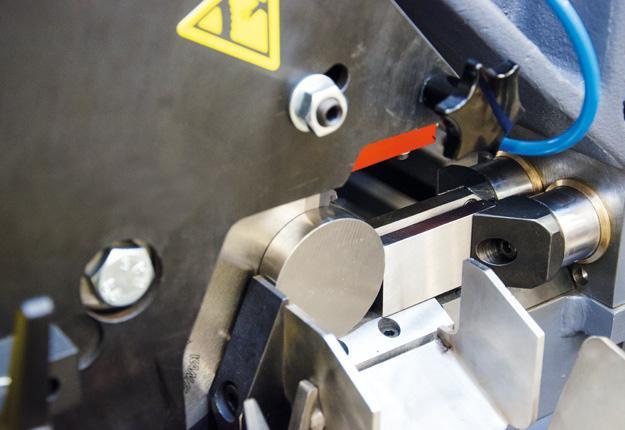 Tronçonneuse de production auto à fraise - scie - TAC 105