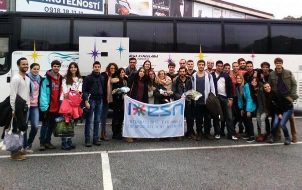 Autocar pour week-end intégration - Plus de 1500 voyages étudiants chaque année en France