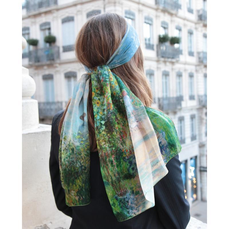 Echarpe En Mousseline De Soie Imprimé Monet La Promenade - Ciel D'été - LES GRANDS PEINTRES