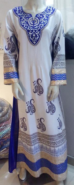 Robe ethnique brodée bleue et blanche -