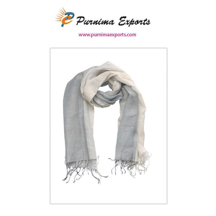 foulard frangé rayé gris et blanc -