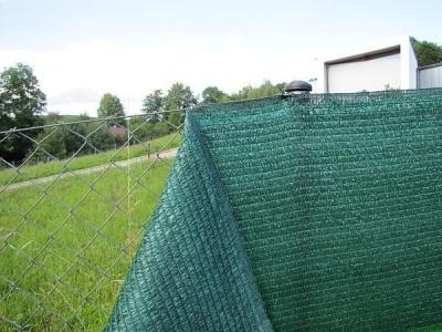 Stínící sítě na plot - Stínící tkanina na plot v různých provedeních.