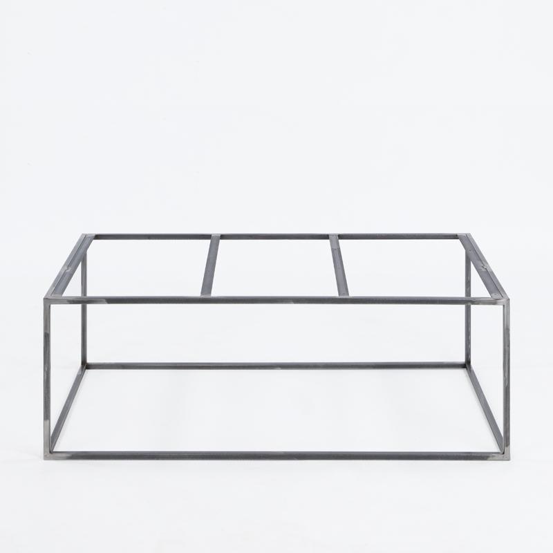 Herstellung von Untergestellen und Tischbeinen aus Metall - Wir bieten sowohl geschmiedete als auch geschweißte Metallkonstruktionen