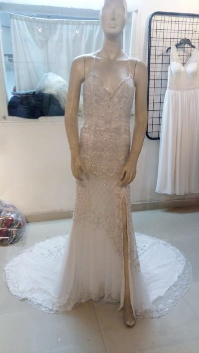 Robe de mariée  - Robe de mariée brodée avec traîne