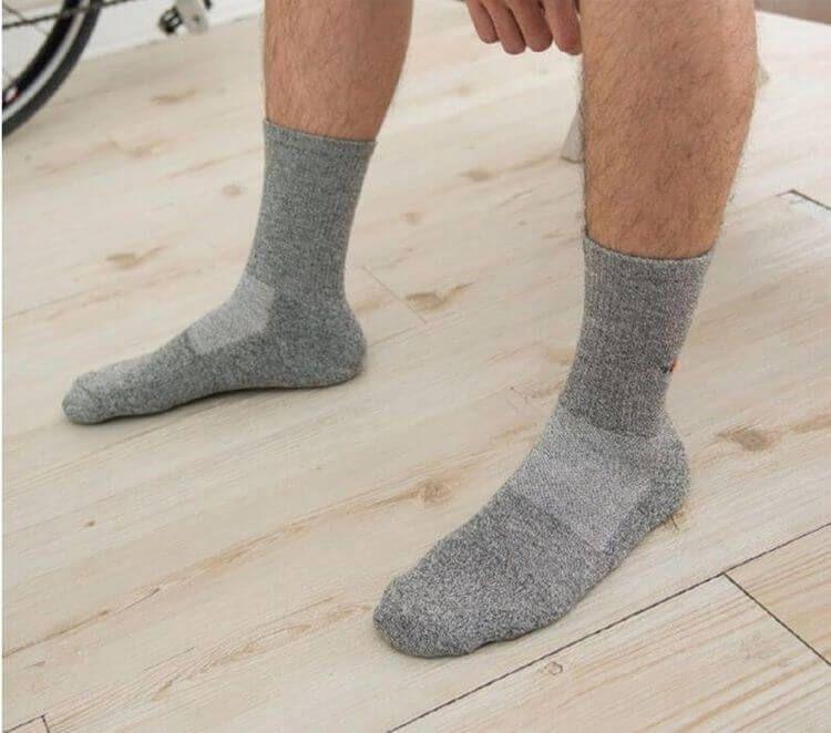 Chaussettes en argent à base de coussin sport à ion négatif  -