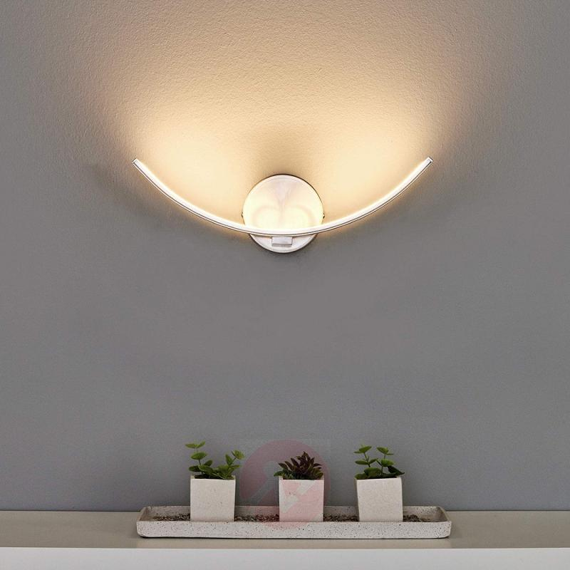 Curved LED wall lamp Iven - indoor-lighting