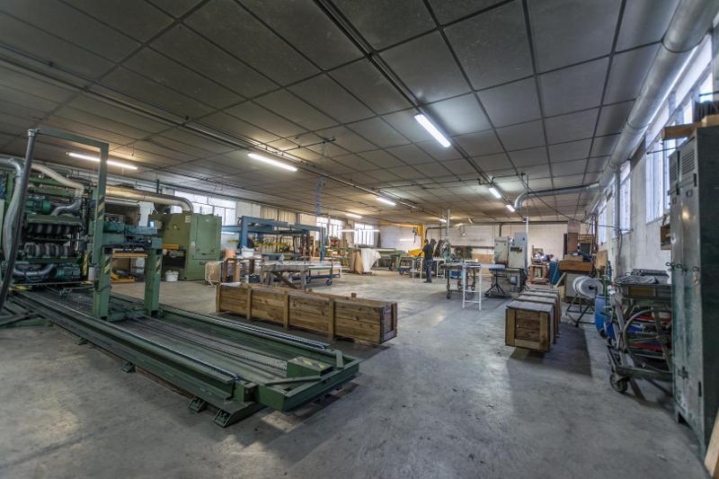Travaux de polissage industriel – Clefs-Val d'Anjou - null