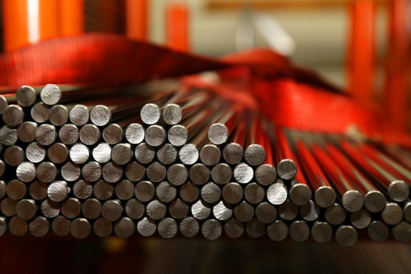 Décolletage de pièces en acier - null