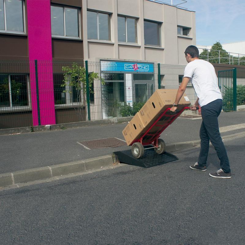 Rampe de trottoir mobile - Entrepôt, stockage et manutention
