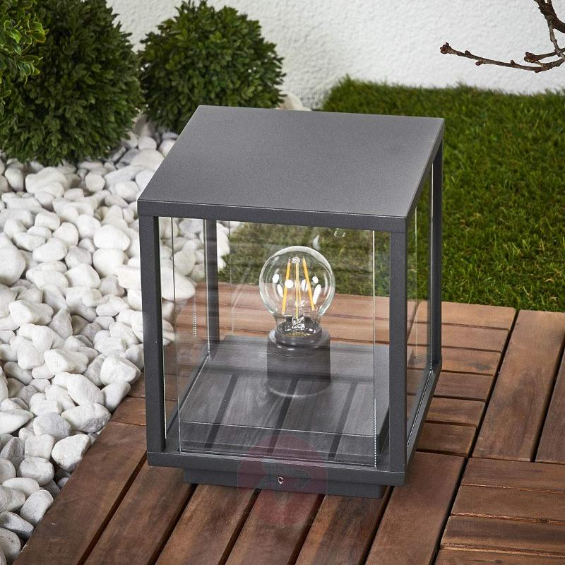 Angular pillar lamp Annalea with glass panes - Pillar Lights