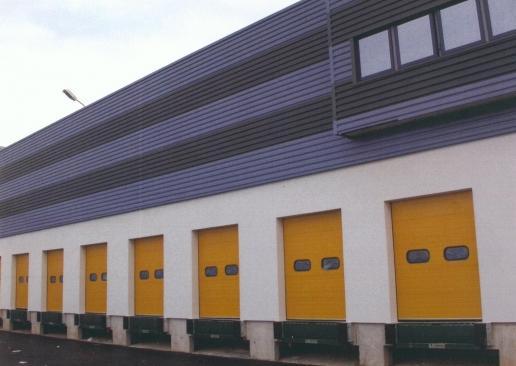 poseur Portes de garage industrielles