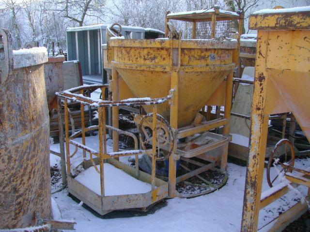 Baustellenbedarf - Übersicht - Betoneimer/Kran