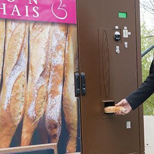 Distributeur cuiseur de pain - null