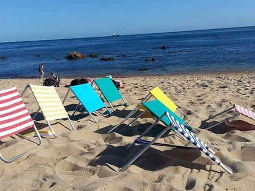 Siege/dossier pour la plage, la piscine, ou la campagne.