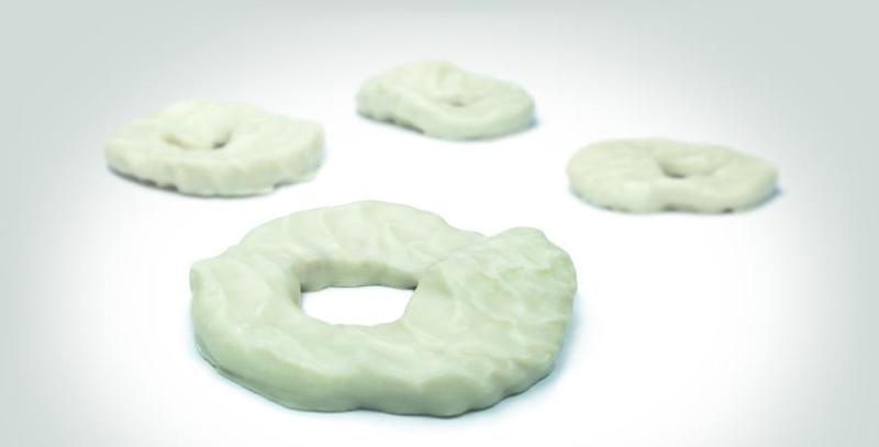Snacks - Sour apple rings coated with white chocolate. Enjoy the frui