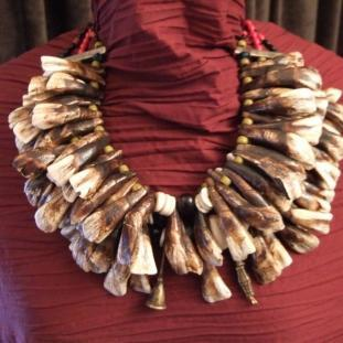 Colliers - Dents de buffle( 3 rangs),turquoises, laiton, verre, Naga, I