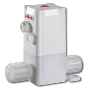 GEMÜ C50 iComLine - The ultra-pure 2/2-way plastic diaphragm globe valve has a pneumatic actuator.