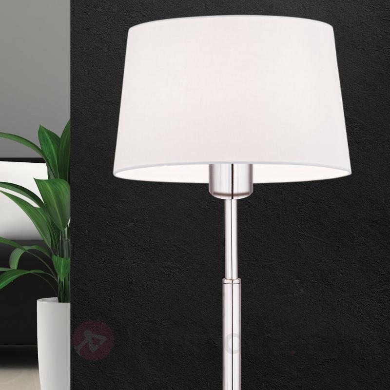 Lampe à poser textile Vardan à abat-jour blanc - Lampes à poser en tissu