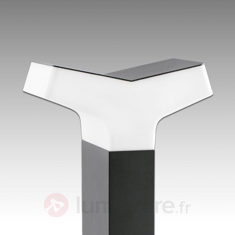 Borne lumineuse Tau dans un design moderne - Toutes les bornes lumineuses