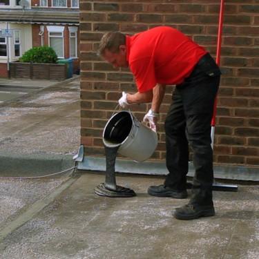 Réparation étanche - Répar'toit Coulable 10 kg Raclette en caoutchouc 600 mm avec