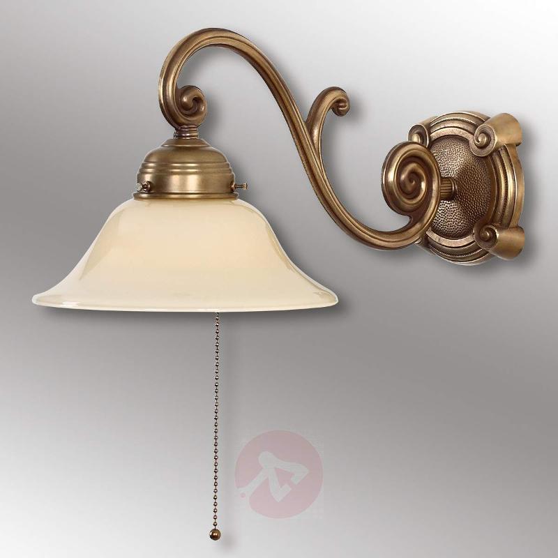 Ella antique-designed wall light made of brass - Wall Lights