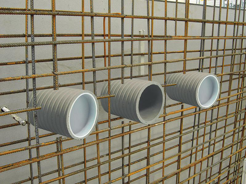 Lining pipes
